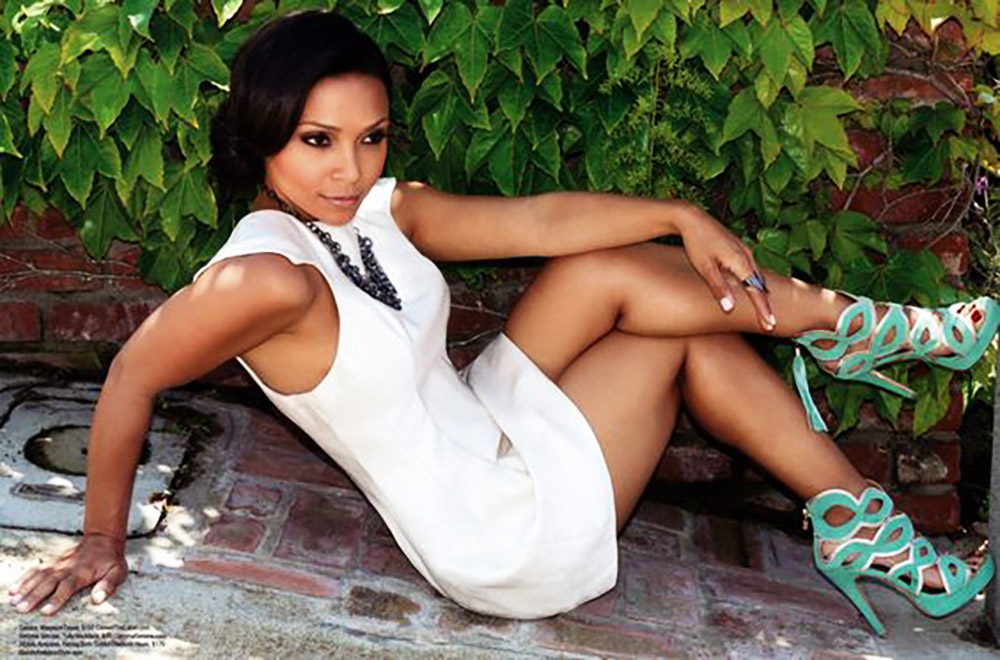 Danielle Nicolet nude thighs