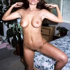 Elizabeth Hurley naked pussy