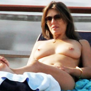 Elizabeth Hurley nude boobs
