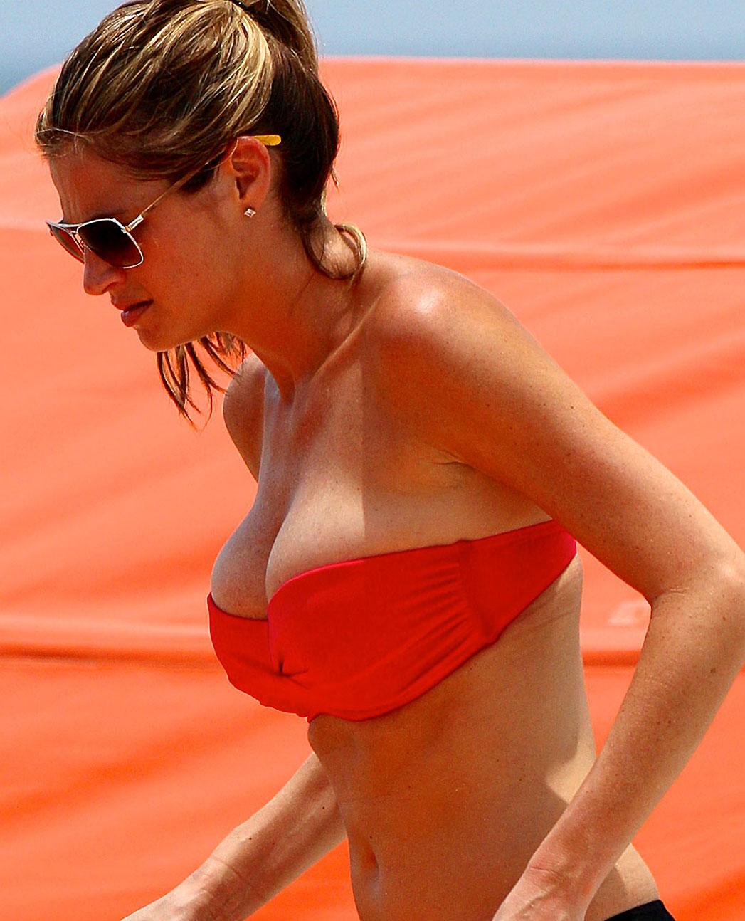 Erin Andrews nude big boobs