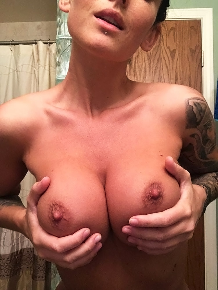 Kayla Lauren nude boobs