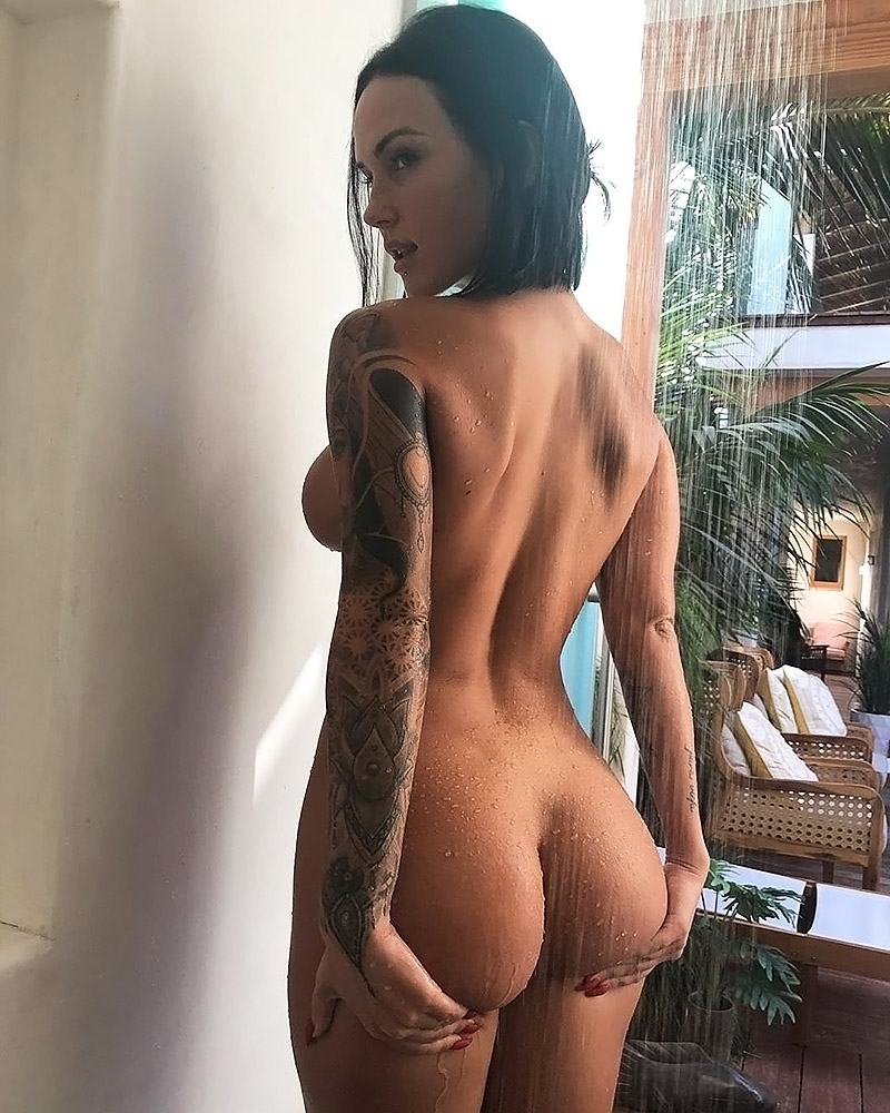 Kayla Lauren nude ass