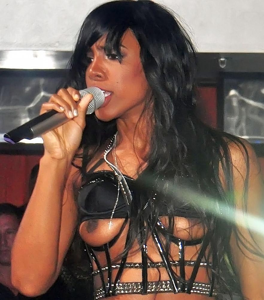 Kelly Rowland nude boobs