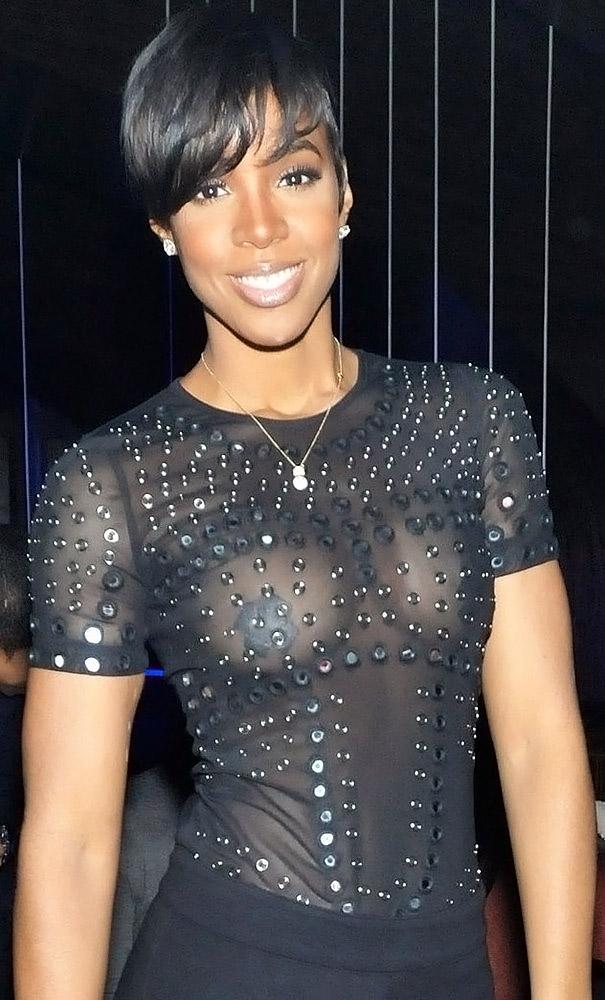 Kelly Rowland nude nipples
