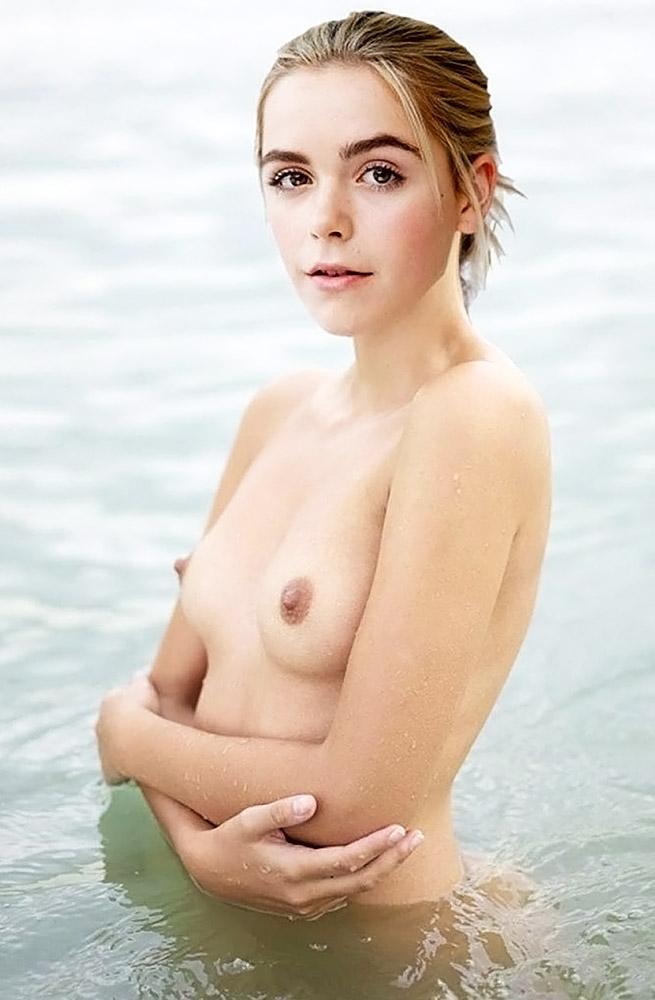 Kiernan Shipka nude boobs