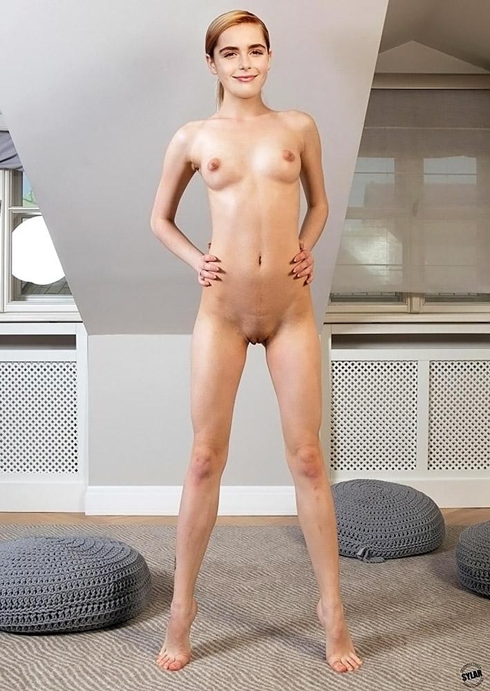Kiernan Shipka naked fake pic