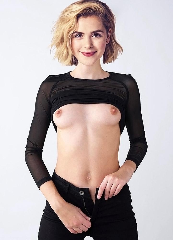 Kiernan Shipka nude tits