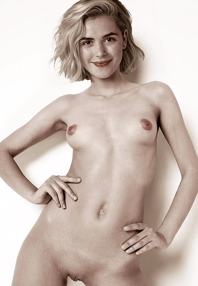 Kiernan Shipka naked boobs