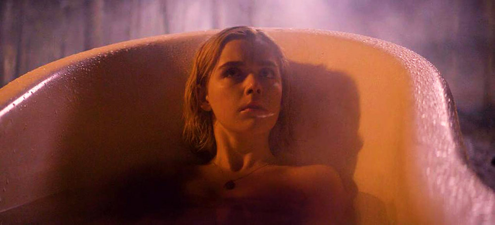 Kiernan Shipka sexy in bathtub