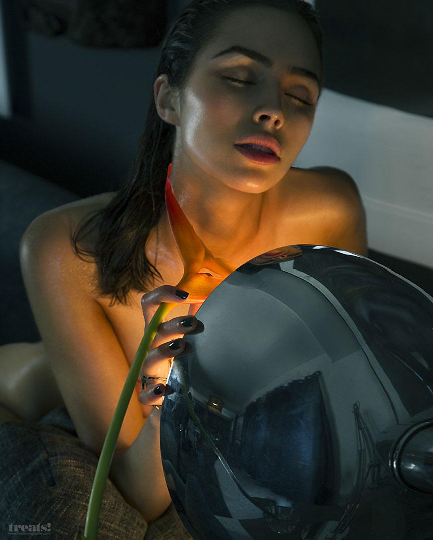 Olivia Culpo naked face