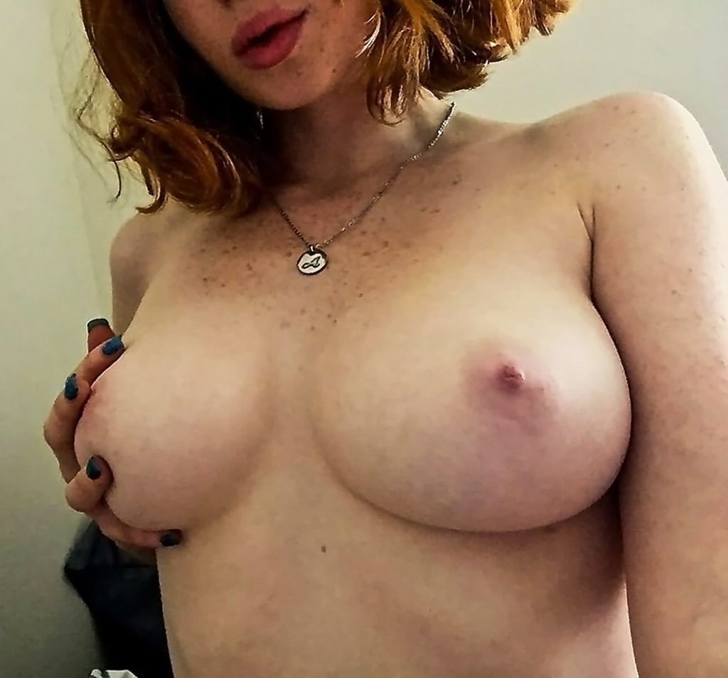 Abigale Mandler nude leaked pic