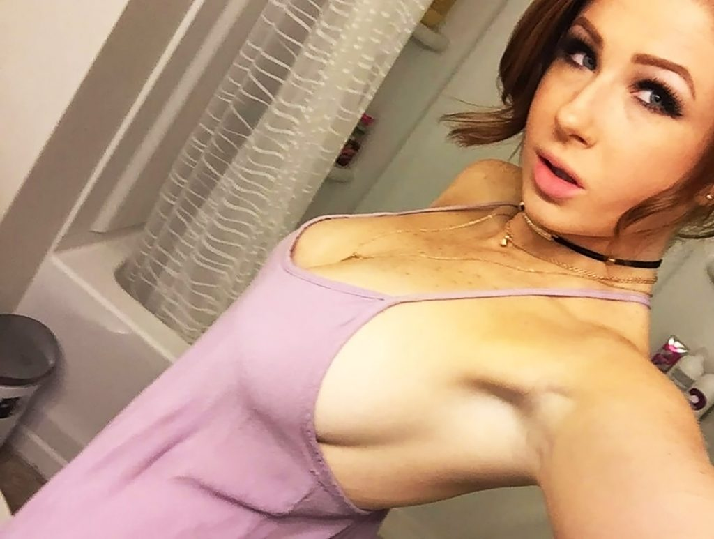 Abigale Mandler sexy