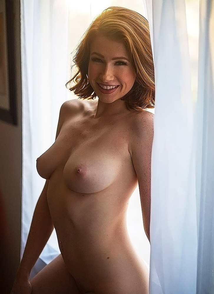 Abigale Mandler nude boobs