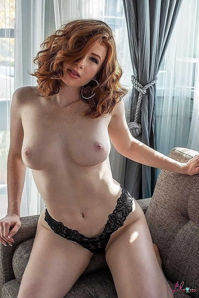 Abigale Mandler naked breasts