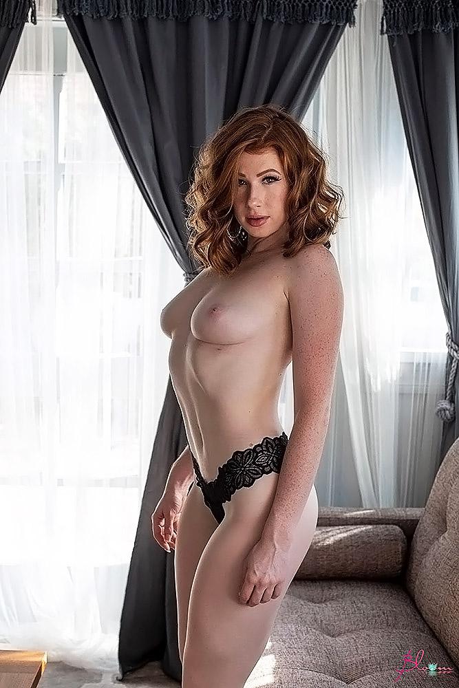 Abigale Mandler naked tits