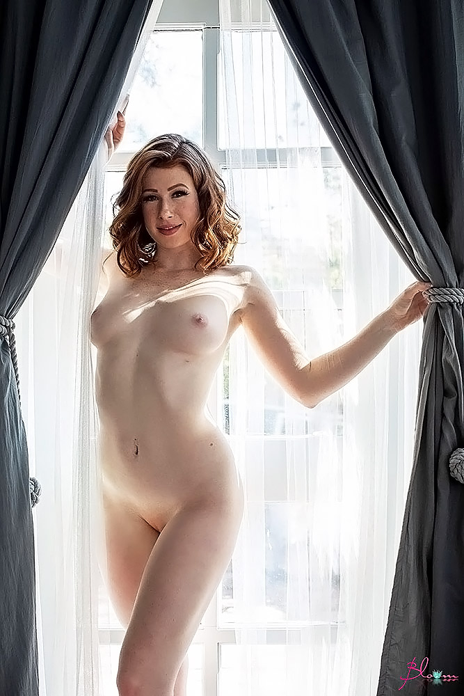 Abigale Mandler nude pussy