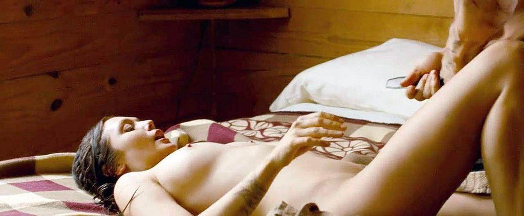 Elizabeth Olsen nude