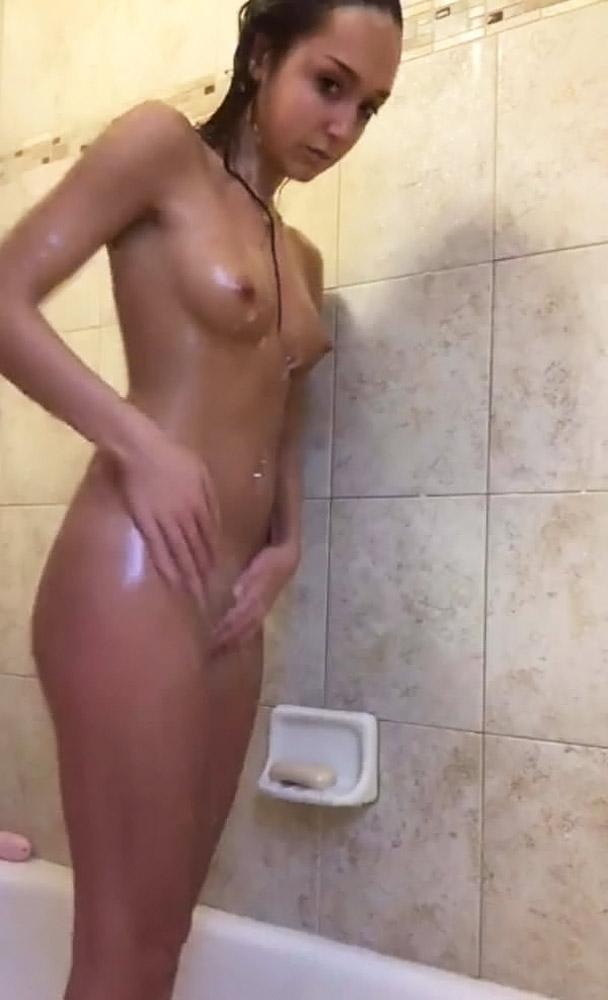 Gabby Garcia wet