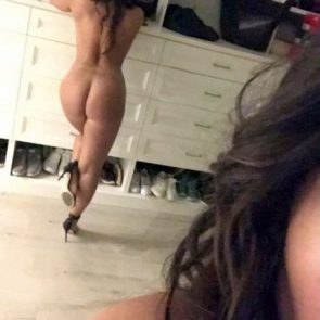 demi lovato naked on heels