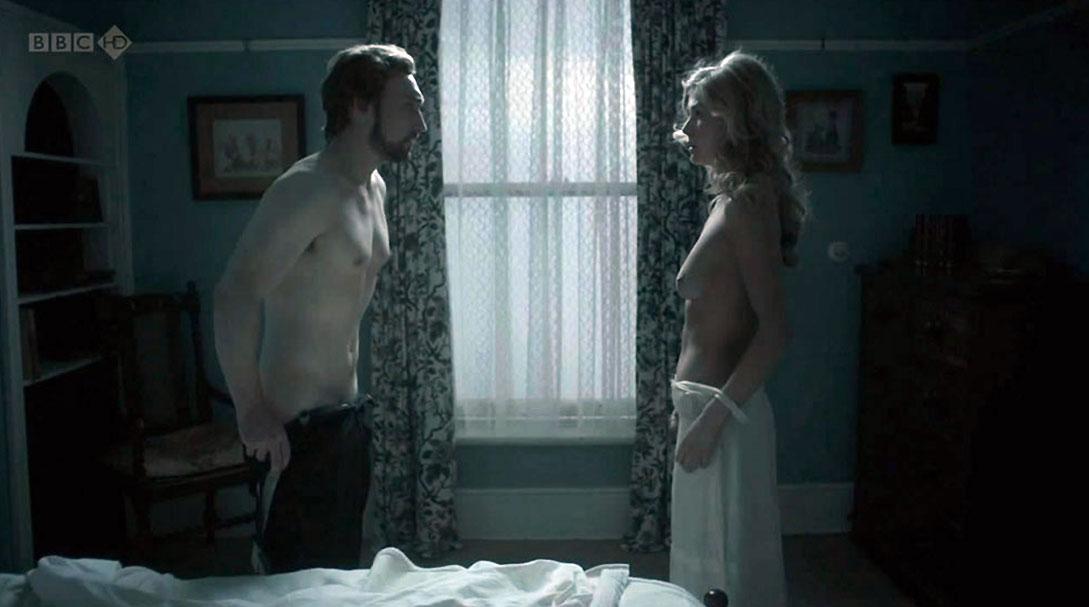 Rosamund Pike nude body