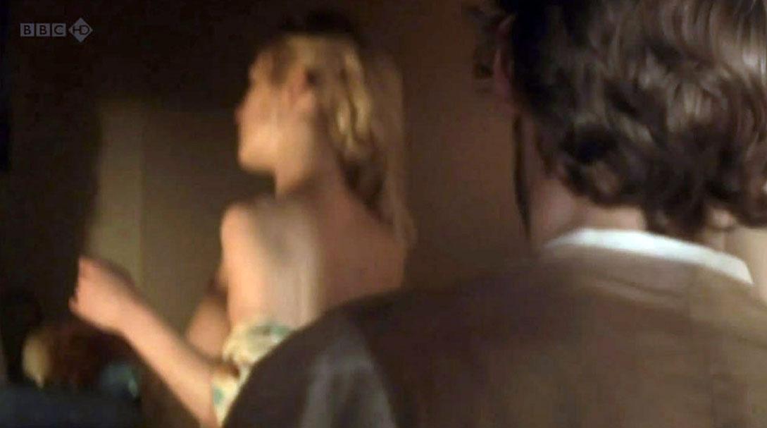 Rosamund Pike nude shoulders