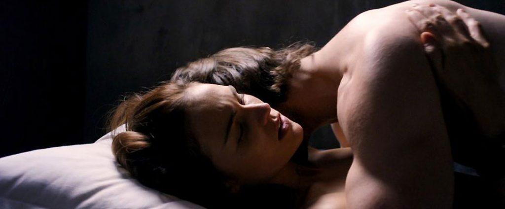 Sophie Skelton nude in bed