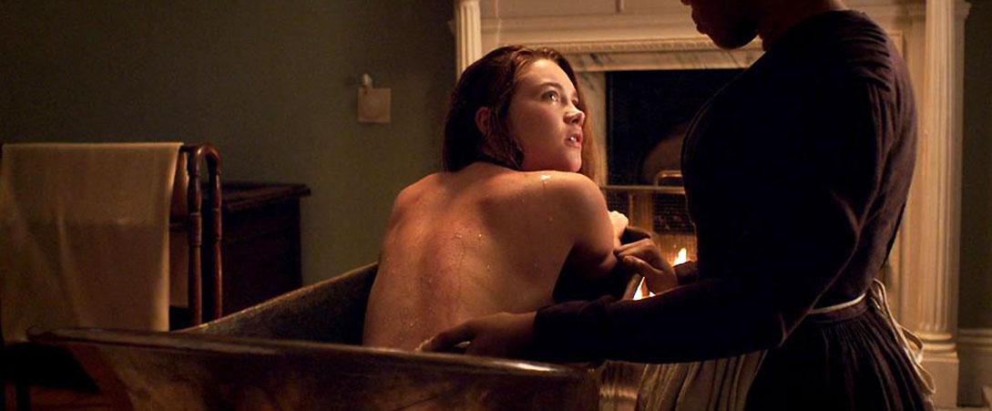 Florence Pugh nude bathing lady m
