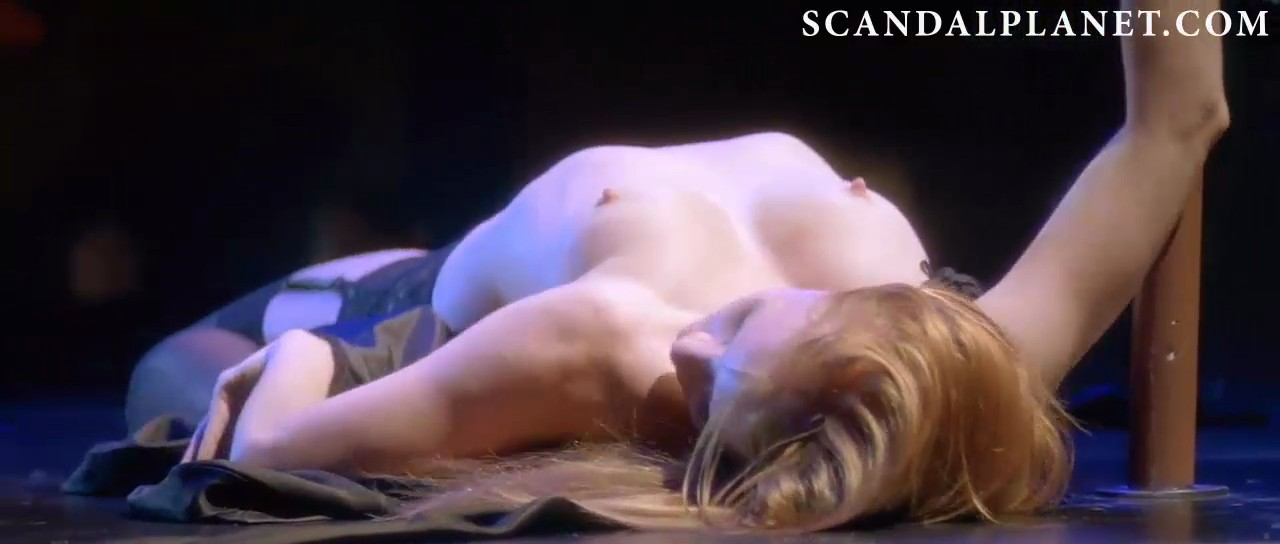 Jessica Chastain nude striptease