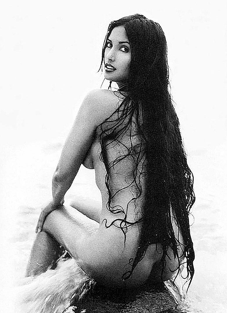 Naked padma lakshmi in sharpe's challenge ancensored
