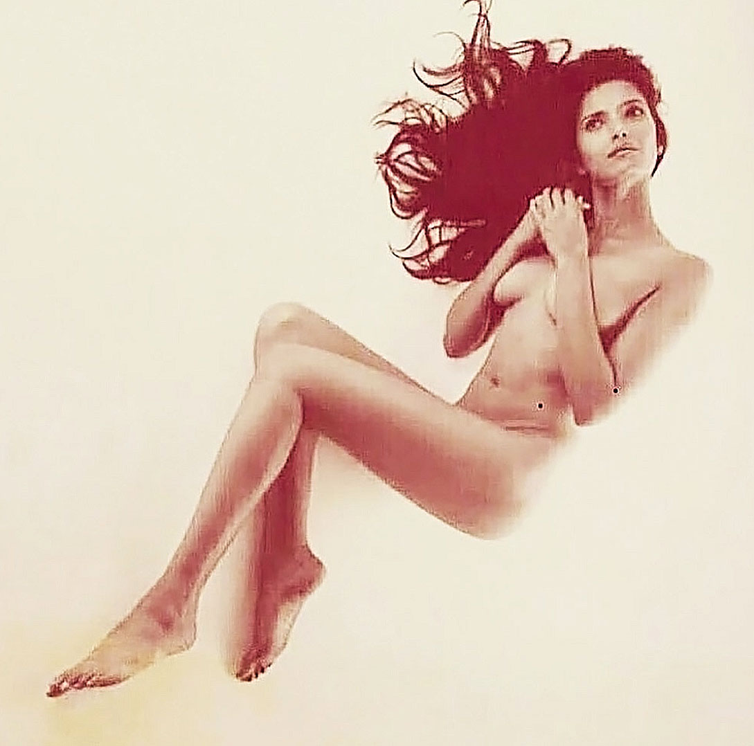 Padma lakshmi nude and sexy bikini photos