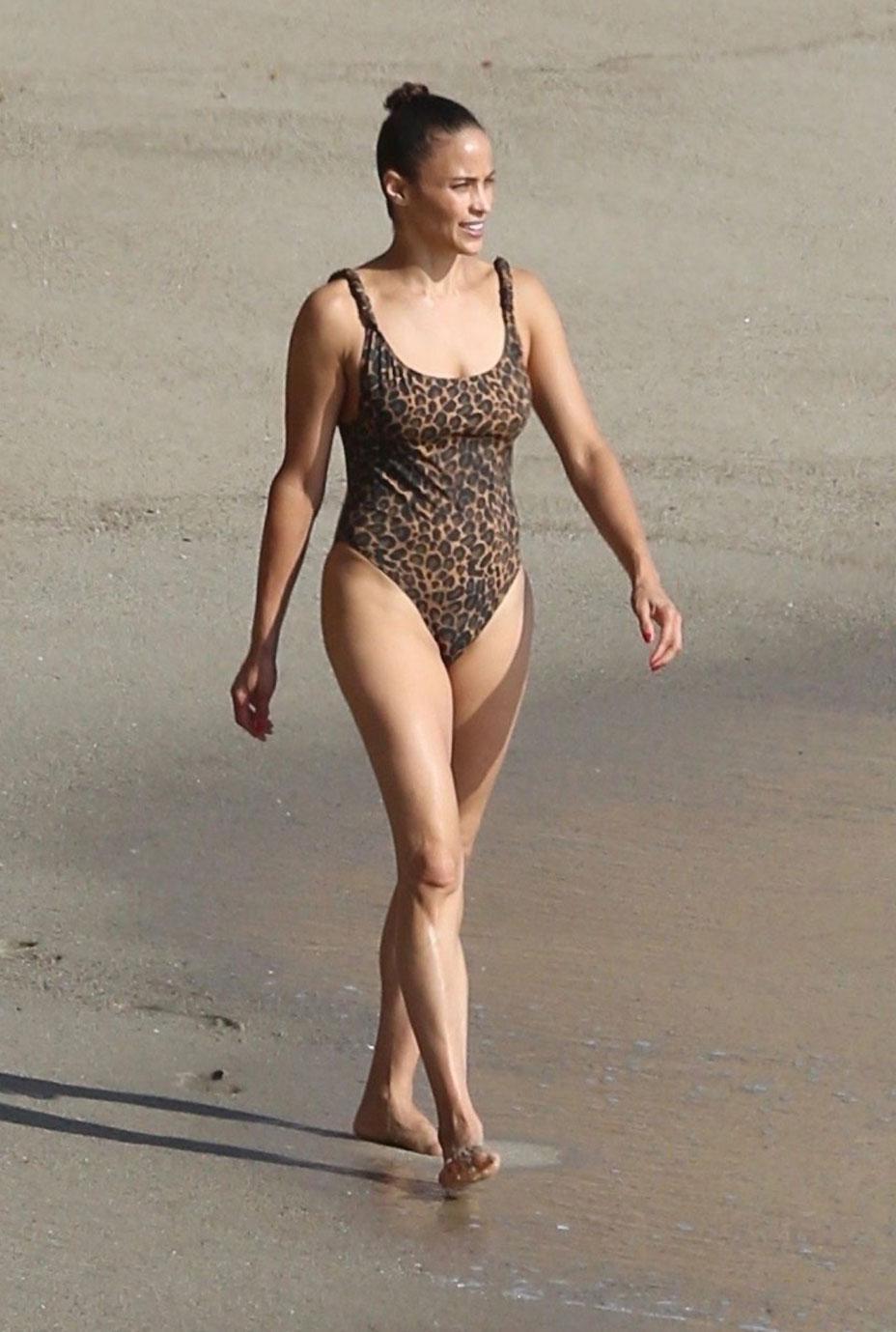Paula Patton nude sexy in bikini
