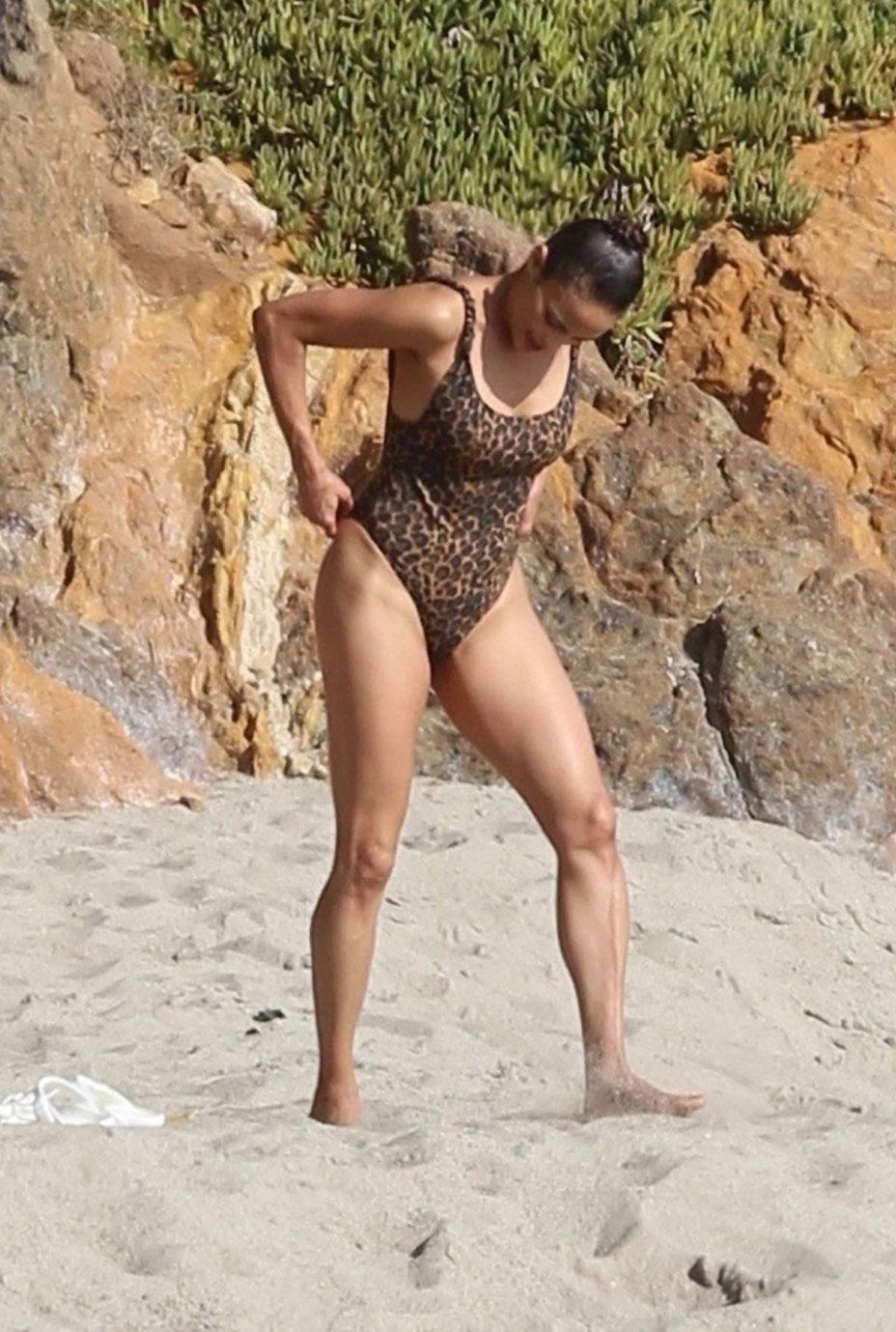 Paula Patton nude hot in bikini