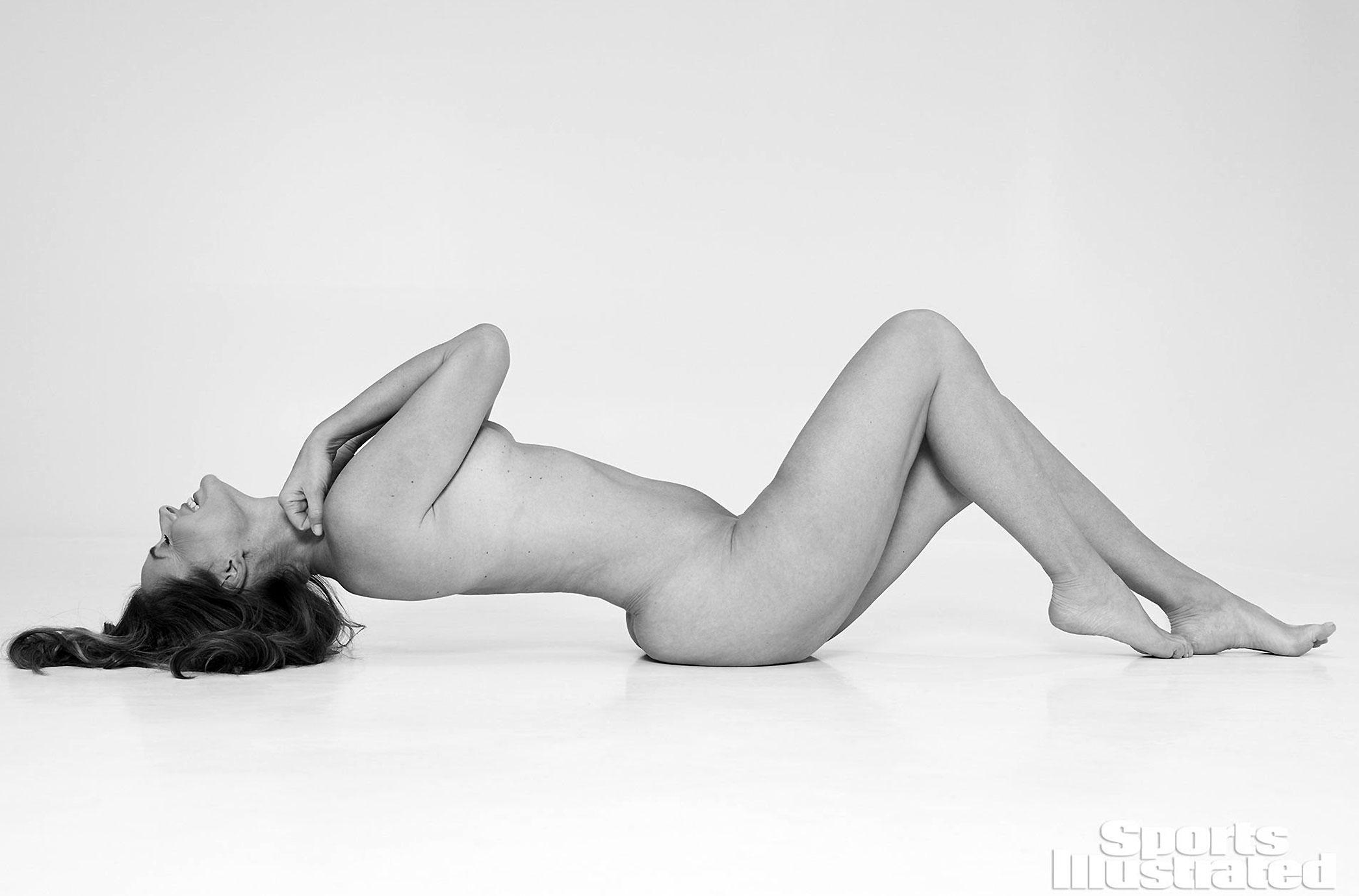 Paulina Porizkova nude body