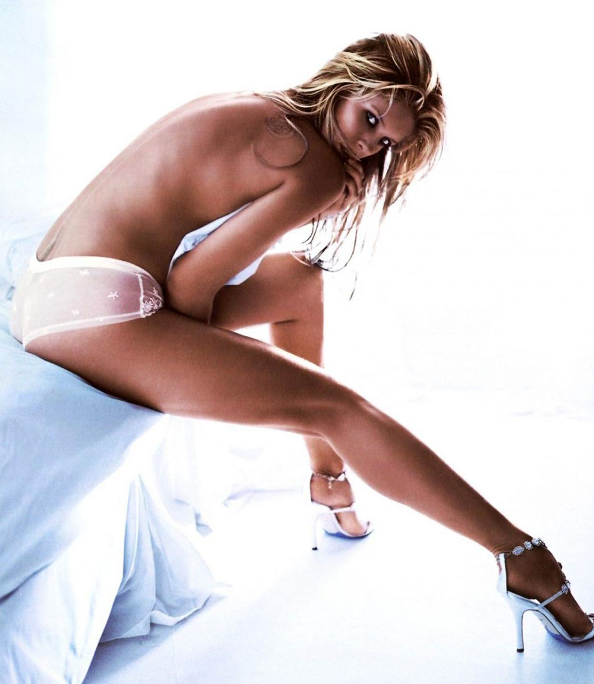 Rachel Hunter nude picture