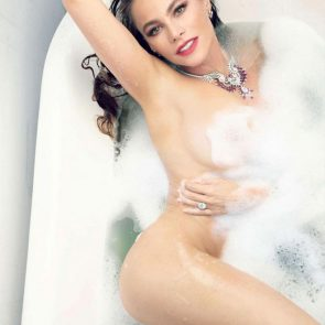 Sofia Vergara nude in the bathtub