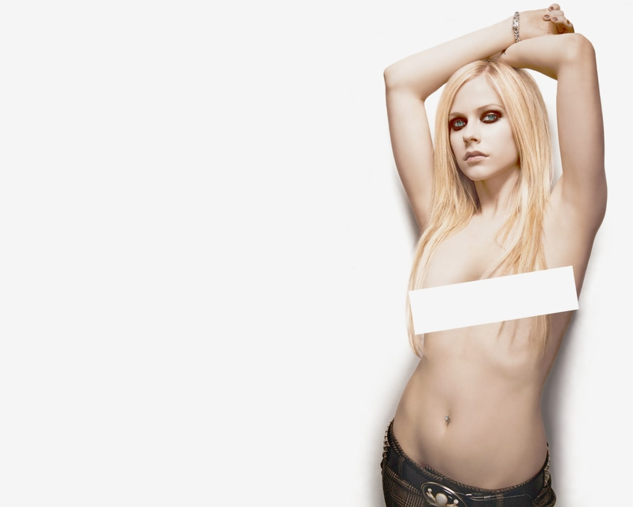 Avril Lavigne's Tattoos Meanings