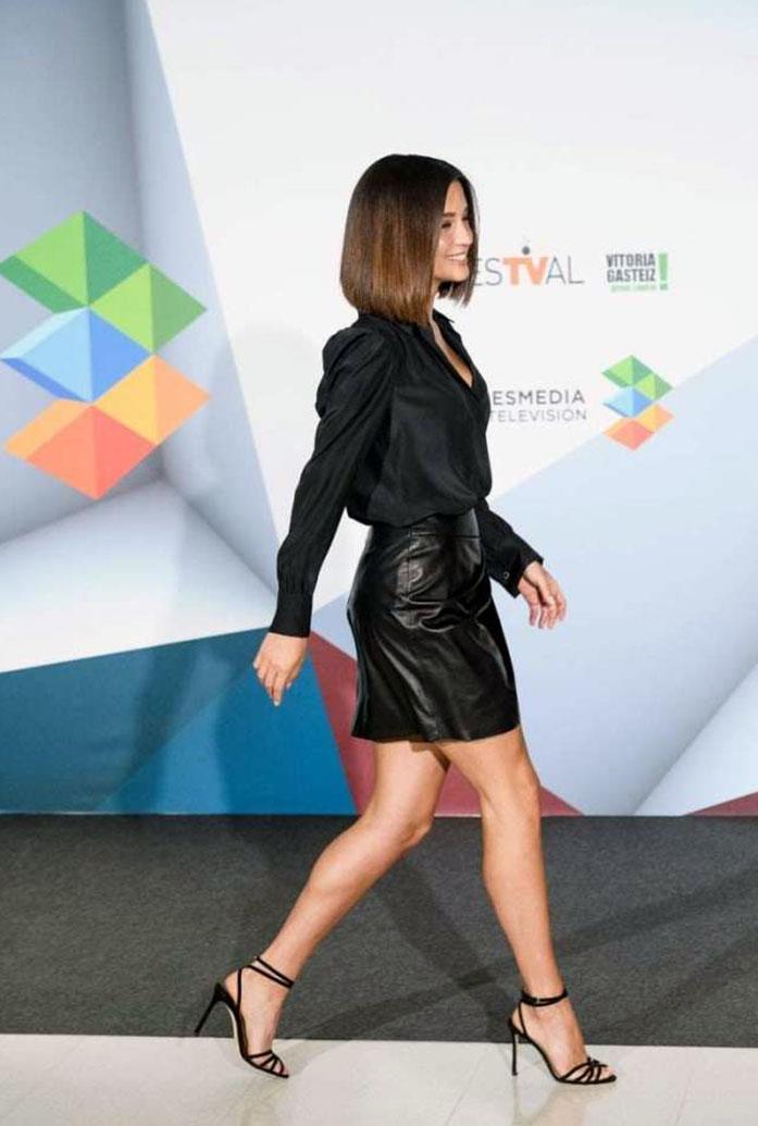 Maria Pedraza legs