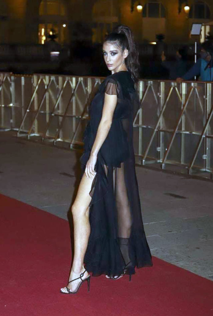 Maria Pedraza butt