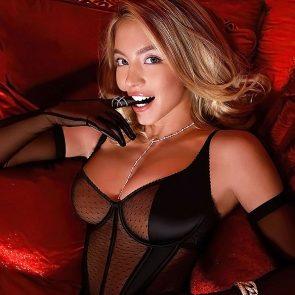 Sydney Sweeney sexy