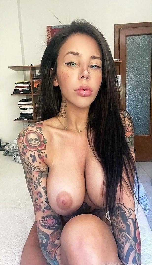 Alexa ink nackt
