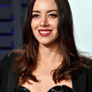 Aubrey Plaza boobs