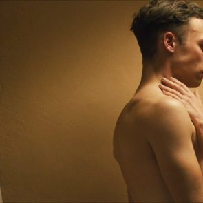 Margot Robbie nude in bath dreamland movie