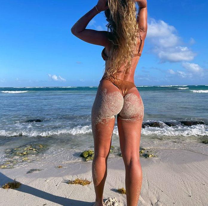 Sommer Ray butt
