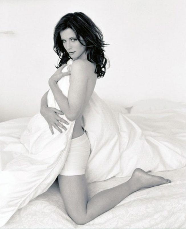 Kate Beckinsale naked