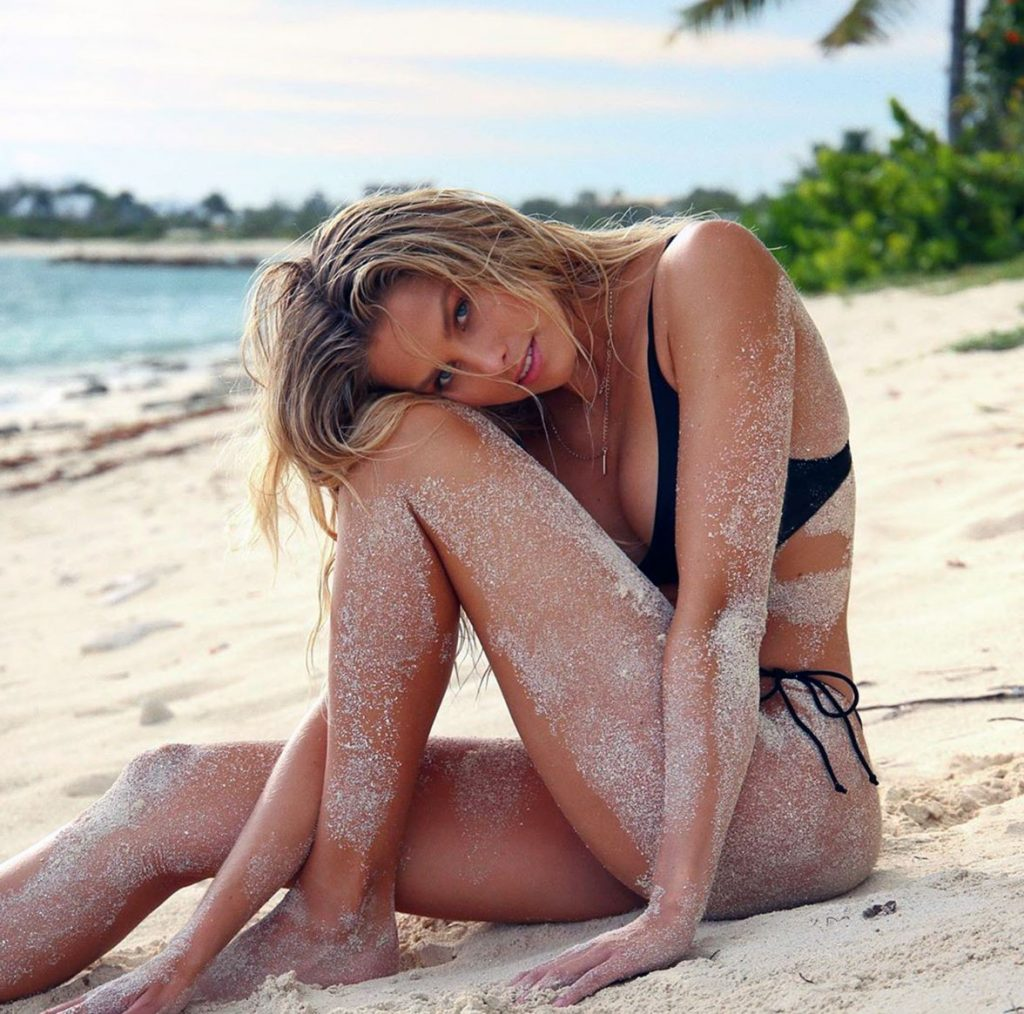 Natalie Roser hot