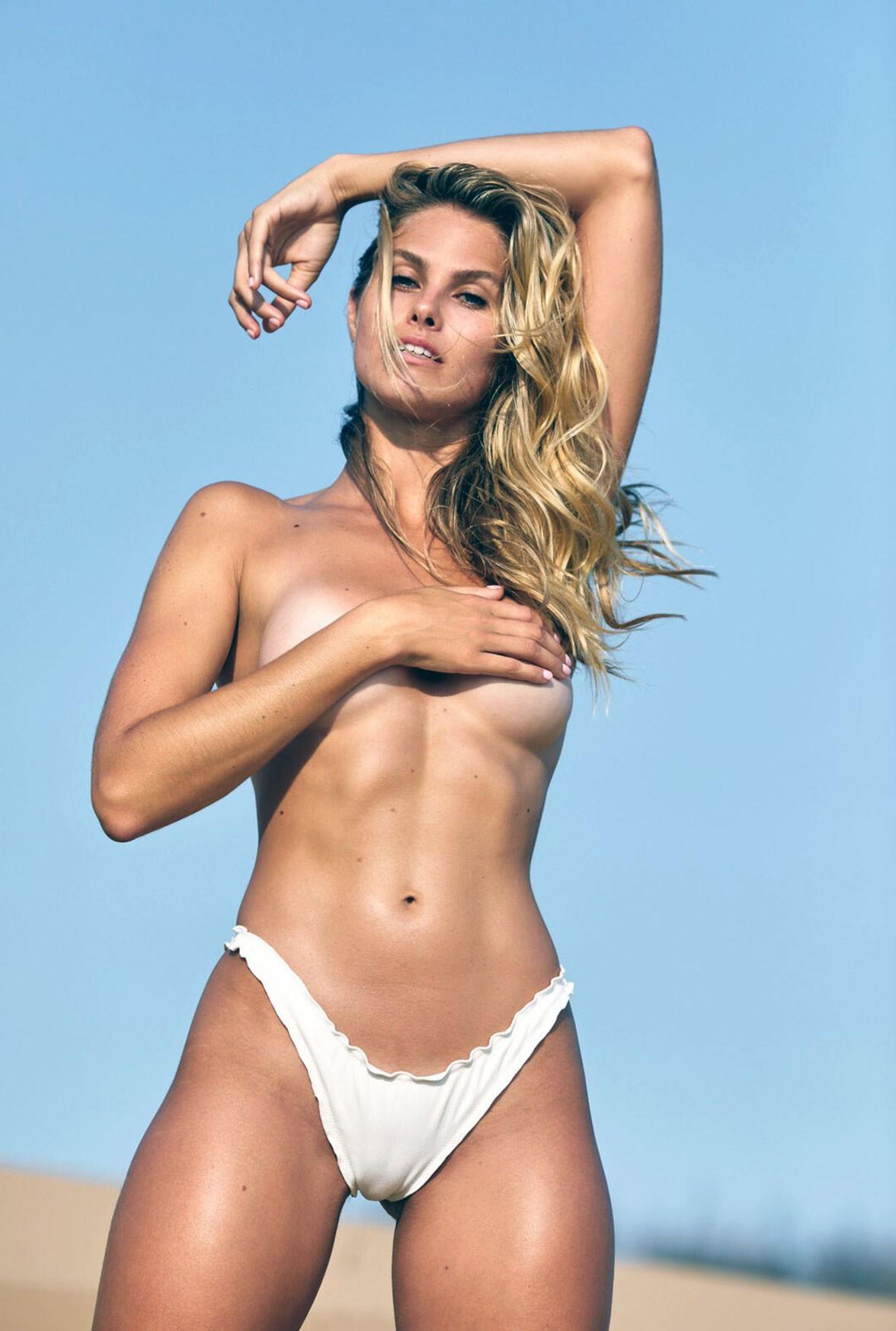 Natalie Roser tits