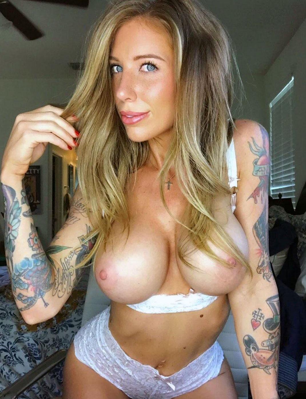 Kitten Nude
