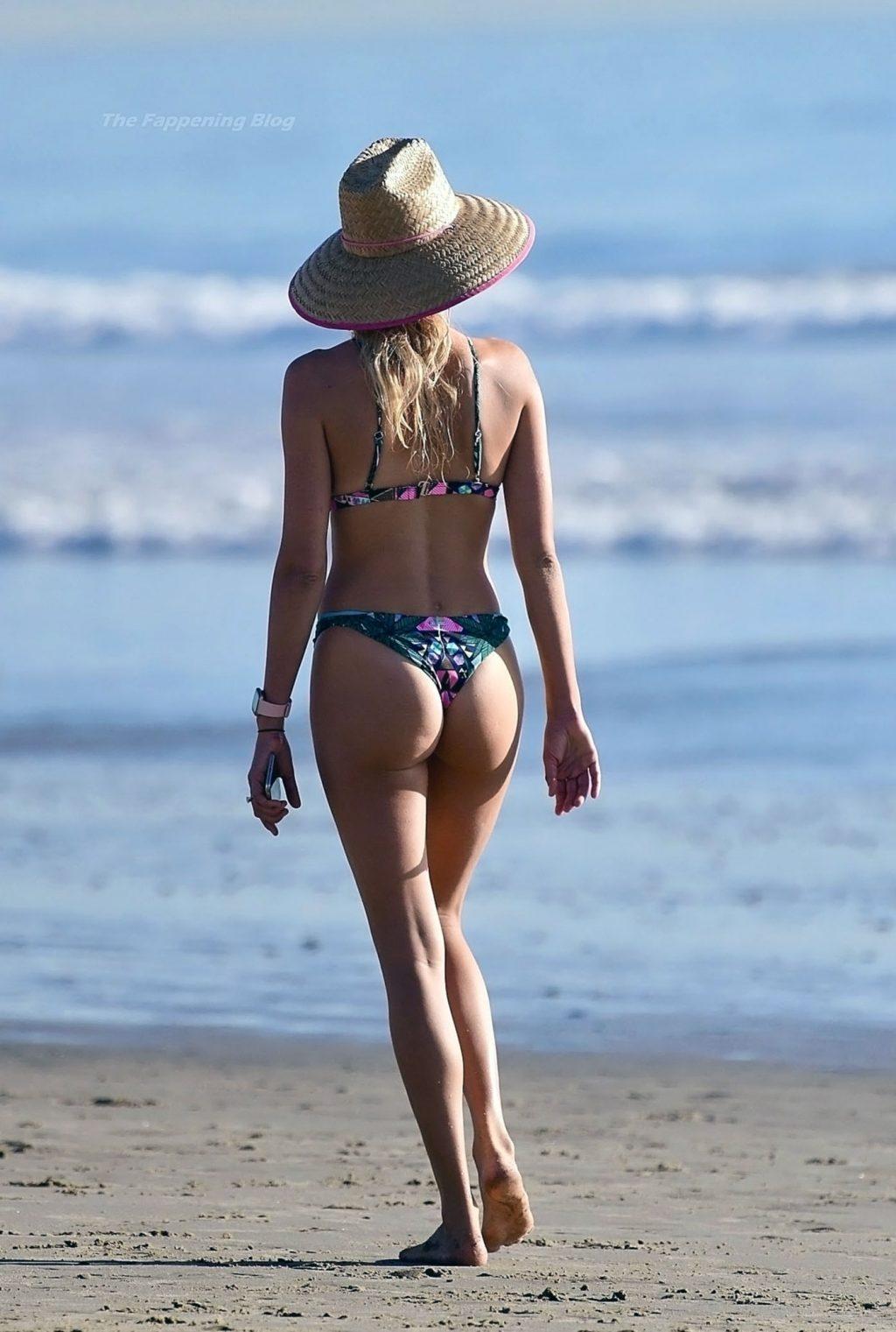Kelly Rohrbach butt