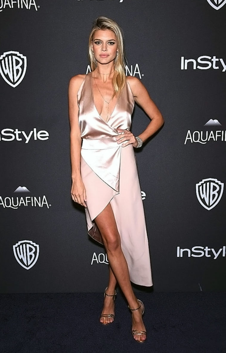 Kelly Rohrbach cleavage