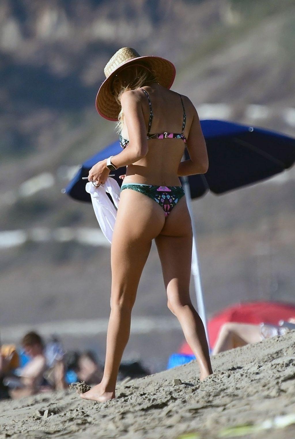 Kelly Rohrbach ass